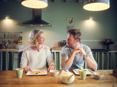 Ben Roelants laat zich verwennen in de gezellige vakantiewoning De Swaenhoeck