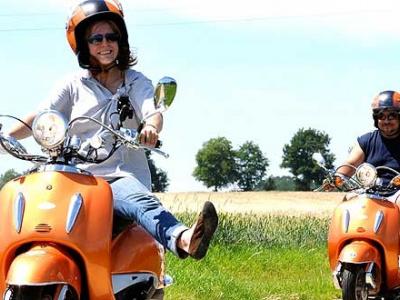 Beestige boerderijen en vrolijke Vespa-routes in Haspengouw