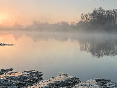 Fietsen en wandelen langs het water