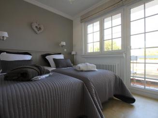 013 Second Bedroom.jpg