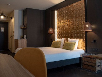 Hotel room - Double 1.jpg