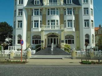 Hotel_Astoria_in_De_Haan 3.jpg
