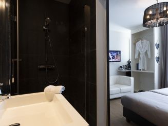 Badkamer Kanne met doorkijk slpk_0.jpg