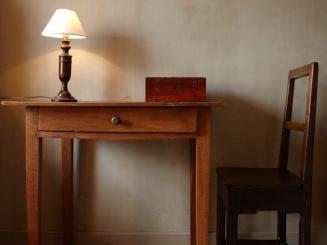 13 februari 2020 Aventurijn -bureaustoel en -tafel.JPG