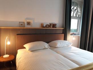 16 VillaEnzo slaapkamer 5lowres.jpg