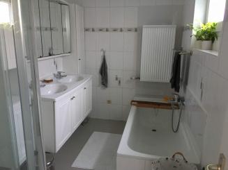 05 badkamer 1 L.jpg