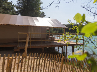 Watertent Camping De Lilse Bergen.jpg