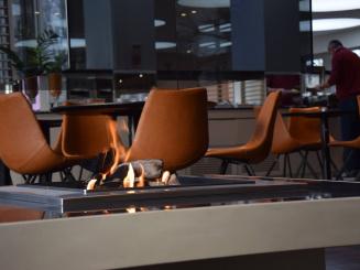 restaurant ovelo fireplace.jpg