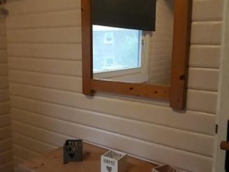 spiegel in de grote slaapkamer.jpg