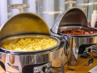 Holiday Inn Express Mechelen Hot Dishes Breakfast.jpg