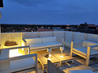 Lounge terrace by night 2.jpg