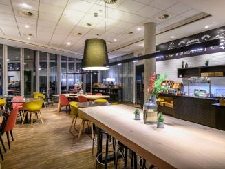 Holiday Inn Express Mechelen Breakfast Room.jpg