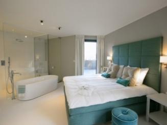 penthouse suite.jpg