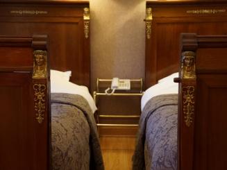 hotelshamonfamilyroom (4).JPG