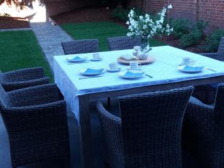 ontbijt in de tuin_0_0.jpg