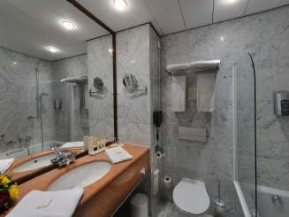 2nd wing comfort Room Bathroom.jpg