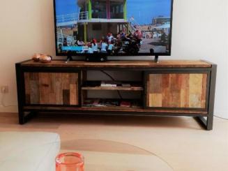 TV and superfaxt WiFi.jpg