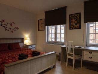 24_Plumer_House_English_room.jpg