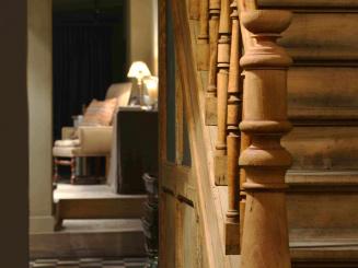 2012-11 trap en doorzicht naar living.jpg