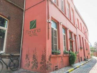 Flandria Hotel - buiten-hotel-met-terras_0.jpg