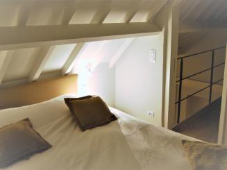 Slaapkamer 1 (2).JPG