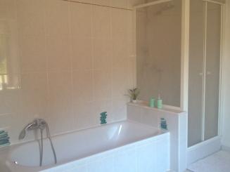 Badkamer boven_0.jpg