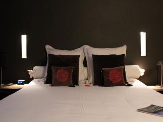 klein bed.JPG
