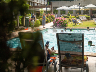 Overview Summer outside swimming pool Green Park Hotel Brugge.jpg