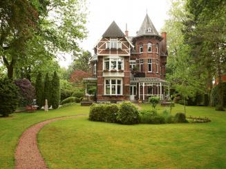 B&B Villa Emma Gent in tuin.jpg