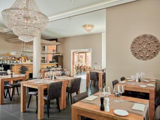 DeStatie_Restaurant_Highres 7.jpg