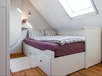 bedroom Poitevin double.JPG