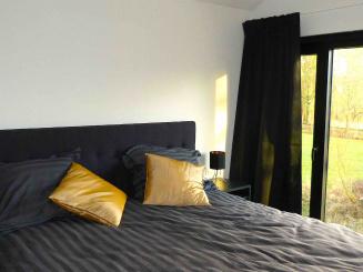 VELPE55 vakantiewoning Hageland slaapkamer ensuite.jpg