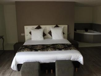 foto king suite 2.jpg