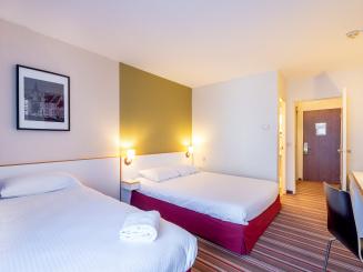 Spacious triple rooms in Bruges in Green Park Hotel brugge.jpg