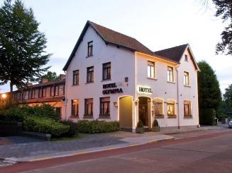 Olympia Hotel (14).jpg