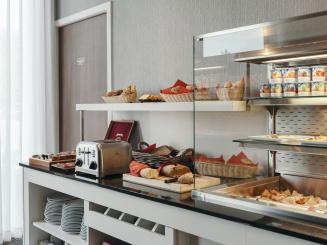 Leopold Hotel Oudenaarde Bread_0.JPG