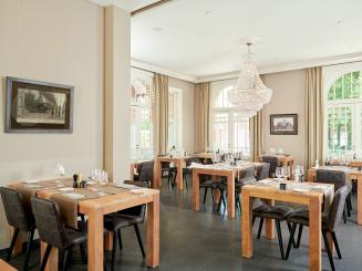 DeStatie_Restaurant_Highres 1 copy.jpg