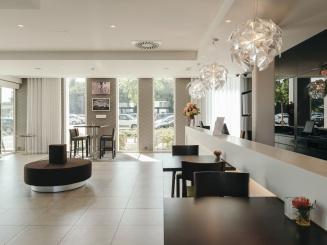 Leopold Hotel Oudenaarde Reception and lobby_0.JPG