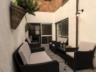 15_Plumer_House_patio.jpg
