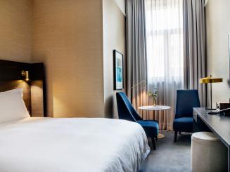 Pillows_Grand_Hotel_Reylof_Gent_Luxury_Room_08[1].jpg