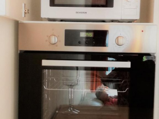 Oven and micro-wave.jpg