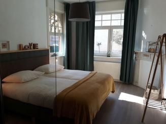 15 VillaEnzo slaapkamer 5.0lowres.jpg