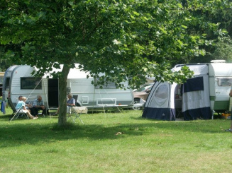 kampeerders veld.jpg