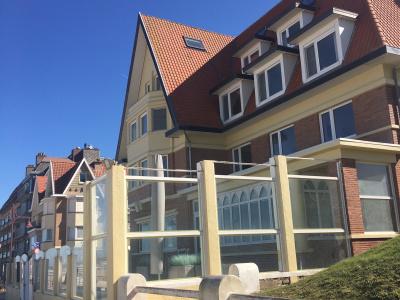 Beach hotel - Auberge des Rois