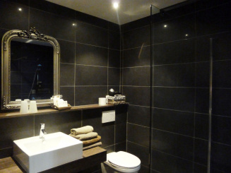 badkamer luxus mp.JPG
