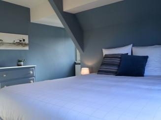 9 slaapkamer boven 2.jpg
