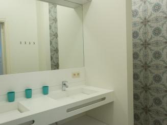 gemeenschappelijke badkamer.jpg